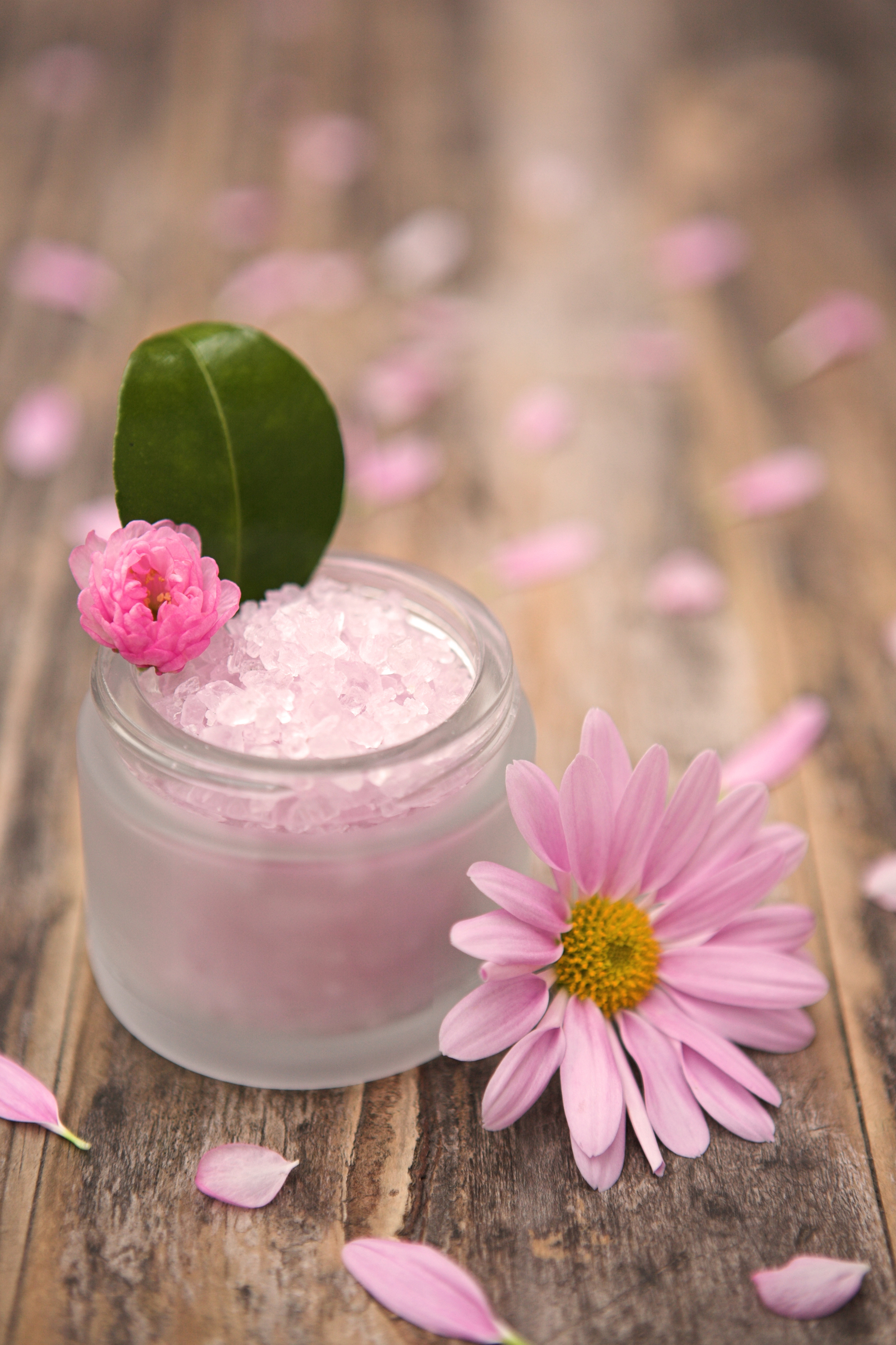 jar with flower for natural beauty recipes